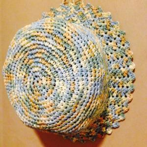 夏糸アンダリヤ段染めで子供用帽子を編みましょう