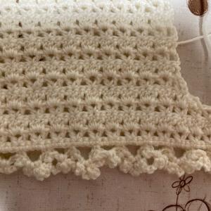 編み物教室 ベビーちゃんのベスト作成中の生徒さん