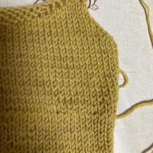 町屋教室土曜日レッスン 子供服の袖ぐりカーブ