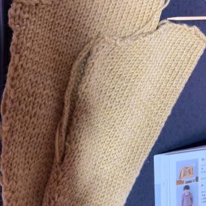 日曜日編み物教室 棒針編み子供服作り
