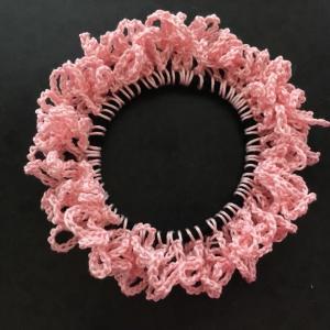 編み物教室 長い髪をまとめるシュシュ作り