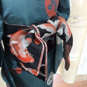 渦巻文の紗の着物
