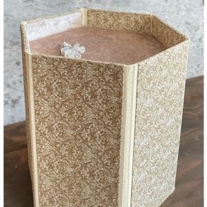 生徒さんの作品・折りたたみ式ディスプレイボックス