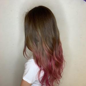 毛先ピンクのグラデーションカラー