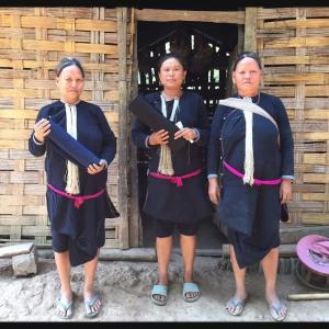 山間民族レンテンの村で布を買った話
