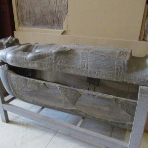 エジプト考古学博物館~美しい石棺~