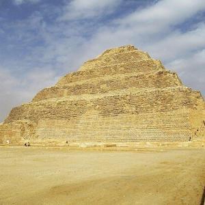 サッカラ~ジェセルの階段ピラミッド内部へ~