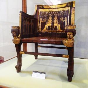 エジプト考古学博物館~サアトアモンの椅子~