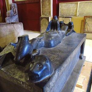 エジプト考古学博物館~オシリスとイシスの棺~