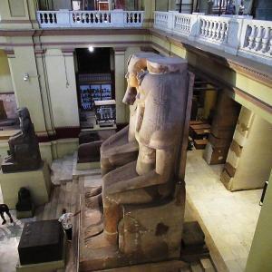 エジプト考古学博物館~アモンホテプ3世とティイの巨像~