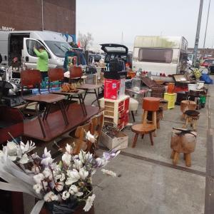 巨大倉庫の蚤の市、IJ-Hallen@アムステルダム(オランダ買い付け日記 その10)
