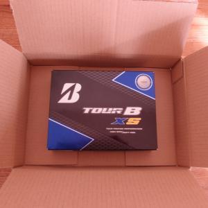 福岡県久留米市にふるさと納税をしてゴルフボール TOUR B XS が届きました