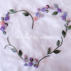 ハートのバラの花環〜ブラジリアン刺繍で