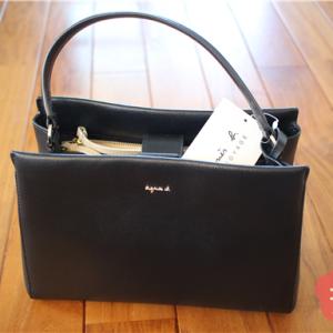 素敵なバッグがあるとお出かけしたくなる!フォーマルバッグは、フォーマルすぎない自分らしいものを選びました。