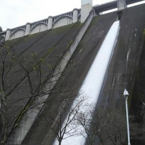 浦山ダムへ
