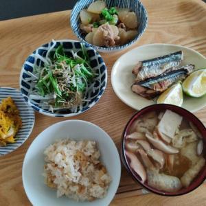 今年初秋刀魚と、昨日持ち越したアレを今日こそ