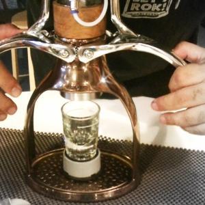 初めての手動エスプレッソ(ROK espresso)