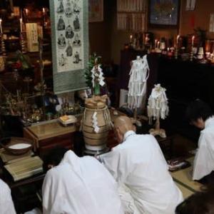 明日、第一日曜日は、命光秘流鳴釜神事祭が行われます。