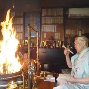 明日は、二か月ぶりに参詣者のおられる火護摩が焚かれます