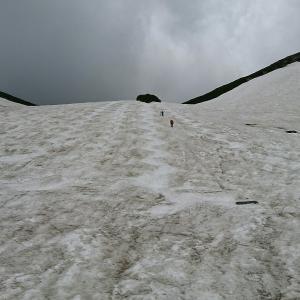 コブ行脚は乗鞍大雪渓へ。