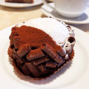 チョコ好きに食べてもらいたい濃厚すぎるチョコケーキ!
