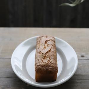【季節のケーキご案内】小布施栗の渋皮煮を忍ばせた甘さ控えめ❛栗のパウンドケーキ❜