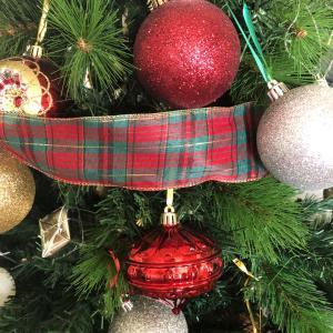クリスマスツリー。我流オーナメントをバランスよく買う方法!