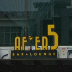 仕事帰りの若者が集まるジョホールバルの「After 5 Bar & Lounge」