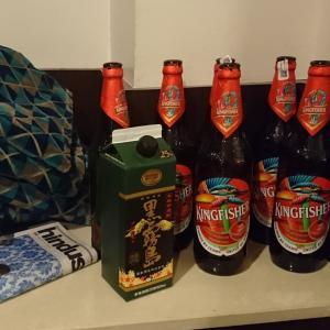 インドでビールを買うともらえる、「謎の黒い袋」から思うコト