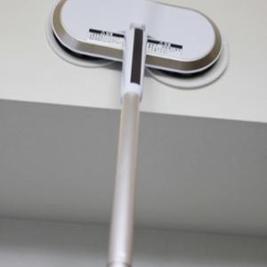 拭き掃除はこれ1本!「コードレス回転モップクリーナー」。(PR)