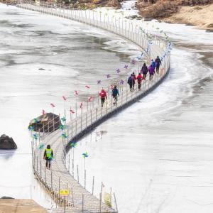 鉄原(チョロン)の漢灘江(ハンタンガン)氷上トレッキングコース再開です