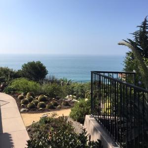 Casa Romantica の海の見える庭