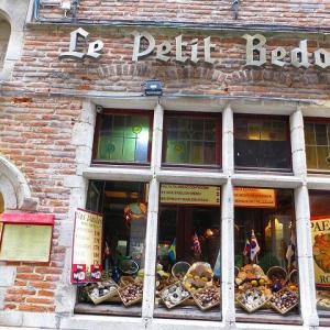 【世界遺産】グラン・プラス 街歩き♪ Rue au Beurre  チョコレート屋さん 日本未上陸のショコラティエも?【世界遺産】マーク発見!