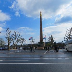 憲法広場 ルクセンブルク 黄金の女神像 Gelle Fla ゲレ・フラ 世界遺産  眺望最高! 観光スポット!
