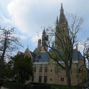 ブルージュ アーレンツハイス・ブランギン博物館 Arentshuis-Brangwynmuseum  アーレンツ・ブランギン・・・とは?