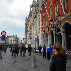 ベルギー 世界遺産 ブルージュ歴史地区 マルクト広場  Historium ヒストリウム City Tour Bruges ブルージュ州庁舎