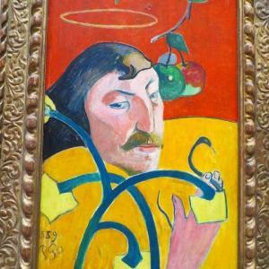 ゴーギャンの自画像 光輪のある自画像 戯画的自画像 1889年 聖ゴーギャン 預言者ゴーギャン?  パレットをもつ自画像 1891年 レ・ミゼラブル 1888年 黄色いキリストのある自画像 1889年〜1890年