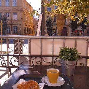 テラス席で朝カフェ