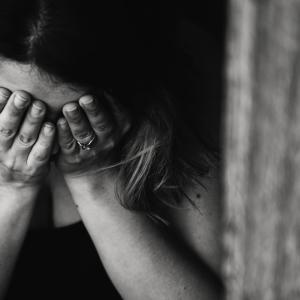 コロナの感染と同じく目を向けるべき自死の問題