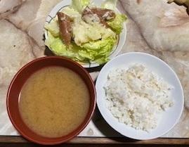 ポテトサラダとお味噌汁