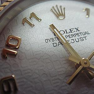 高級時計は機械式?