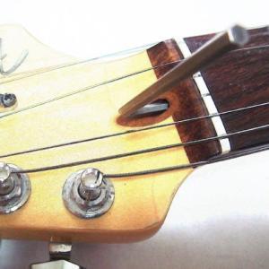 梅雨の季節とギターネックの調整