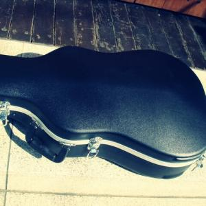 ケース別売りのギターも悪くない