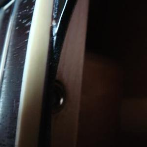 アコギのフレットをヤスリで削った