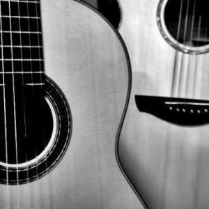 アコースティックなギターって好きだなぁ