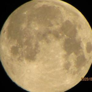 スーパームーンから58日目のストロベリームーンと半影月食