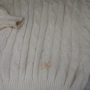 セーターについた古いシミ