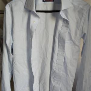 カッターシャツの衿の黄ばみ