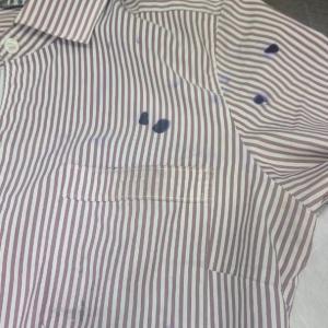 カッターシャツについたインク
