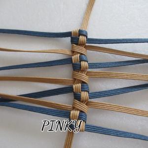 リバーシブル石畳み編みを編み始めました。
